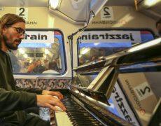 Caféhaus – Piano mit Hauke Ströh